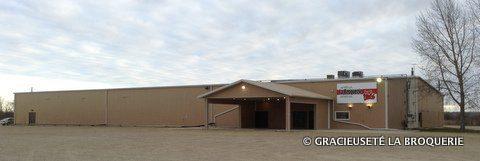 L'aréna de La Broquerie va être agrandie. Les travaux devraient être terminés d'ici l'automne 2014.