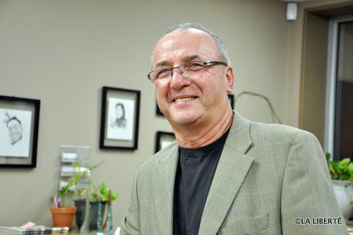 L'économiste, Raymond Clément.