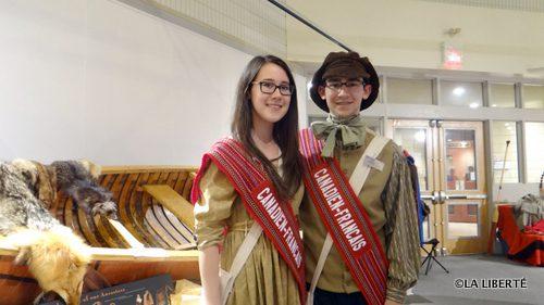 Danika et Colin  Bouvier, les jeunes ambassadeurs font honneur au pavillon canadien-français.