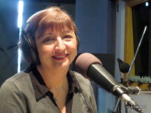 Suzanne Kennelly : « Pour bien communiquer, il faut être présent dans tout ce qu'on fait. Les gens méritent le même traitement, le même respect. Qu'on anime une émission nationale, ou qu'on prépare un carnet communautaire, on ne devrait pas voir la moindre différence. »