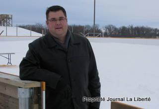 Robert Lajoie dans la nouvelle patinoire de Lorette