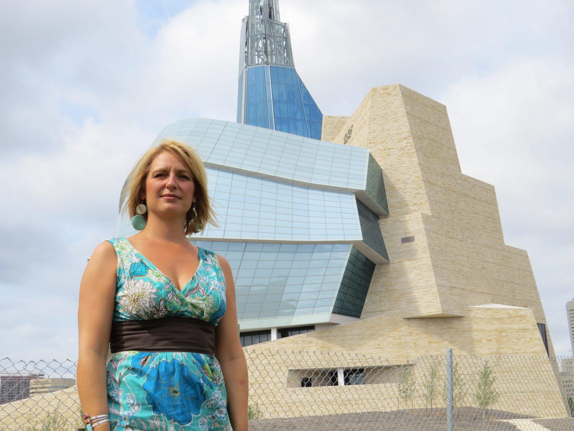 Mireille Lamontagne aimerait que les artefacts mis à jours sur le chantier du Musée canadien des droits de la personne restent au Manitoba.