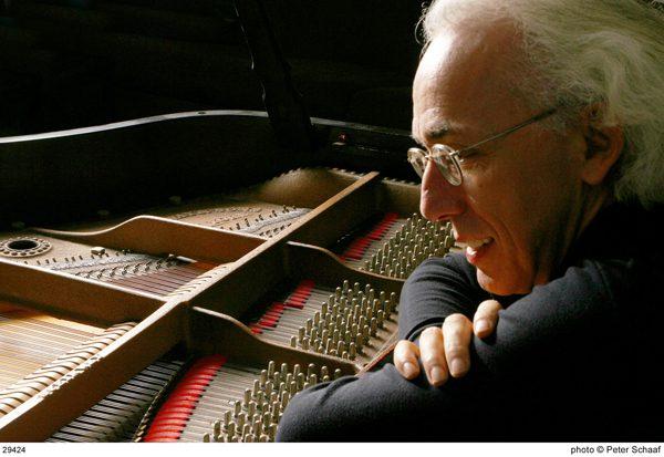 Le pianiste canadien André Laplante