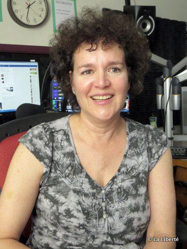 Denise Lécuyer : « J'adore la flexibilité accordée aux animateurs de la radio communautaire. J'ai diffusée des émissions du Festival du Voyageur et du pont Provencher. C'est palpitant. »