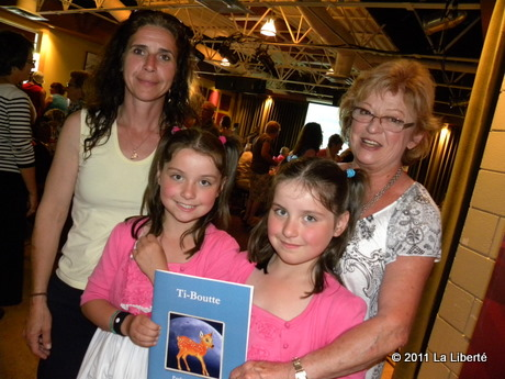 Gabrielle Desrosiers, Josianne Desrosiers-Gosselin, Jolaine Desrosiers-Gosselin et Paulette Gosselin ont vécu une aventure touchante, aujourd'hui partagée dans le livre Ti-Boutte, signé Paulette Gosselin.