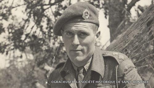 Alfred Monnin, en France en 1944.