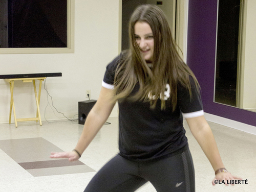 La jeune danseuse de Hip Hop, Natasha Rey, vit pleinement sa passion qu'est la danse. Dans quelques semaines, elle commencera une nouvelle expérience. Elle donnera des cours de danse de Hip Hop au Sportex de l'Université de Saint-Boniface.