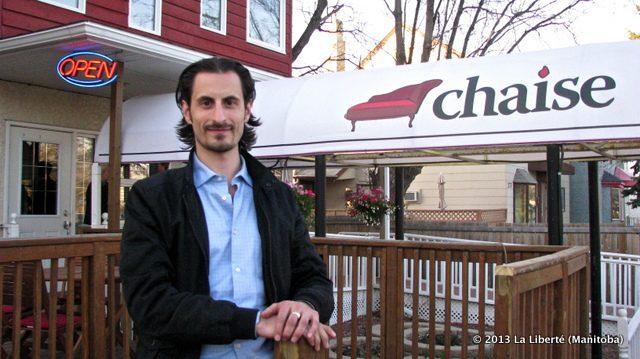 Shea Ritchie, le fondateur et propriétaire de Chaise Café.