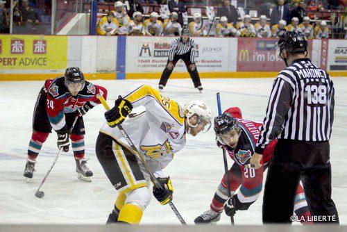 Les Rockets de Kelowna et les Wheat Kings de Brandon s'affrontent lors de la première partie de la série éliminatoire finale de la Ligue de hockey de l'Ouest, qui avait lieu le 8 mai dernier à Brandon.