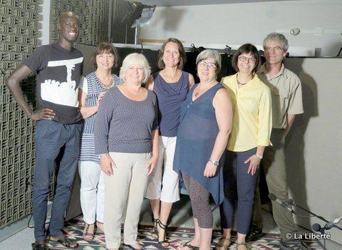 Le noyau de l'équipe du projet patrimonial : (de gauche à droite) Papa Mbao, Suzanne Kennelly, Bernice Parent, Michelle Smith, Aline Campagne, Lise Gaboury-Diallo et Roland Lavoie.